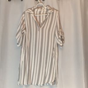 Elan Tunic with Pockets S/M. Never Worn.